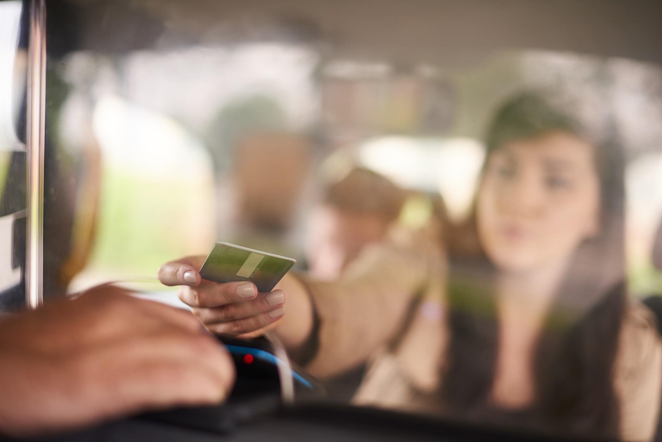 Płacenie za Taxi